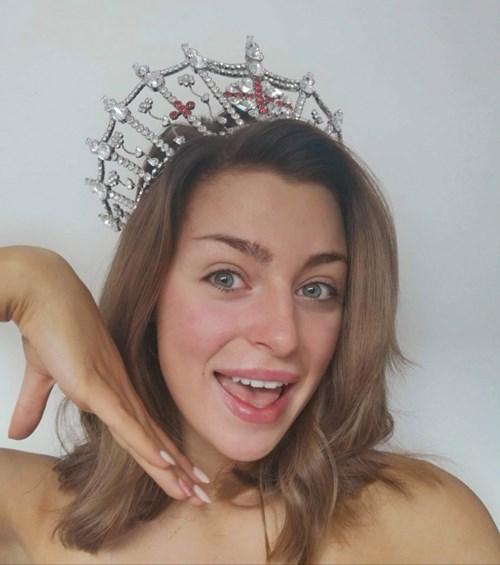 مسابقة ملكة جمال إنجلترا بدون مكياج.. فكيف بدت المتقدمات؟