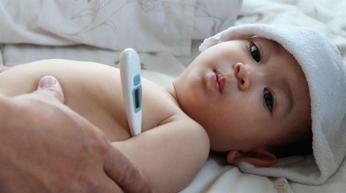 نصائح لعلاج ارتفاع درجة الحرارة لدى الأطفال