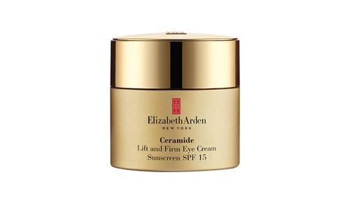النضارة: امنحي عينيك نضارة الورد مع كريم Elizabeth Arden Ceramide Lift and Firm Eye Cream الغني بالسيراميد، وهي جزيئات الدهون الموجودة في أغشية الخلايا، والتي تحمي من التجاعيد والجفاف.