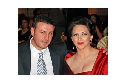 سلاف فواخرجي وزوجها في مرمى الصحافة!