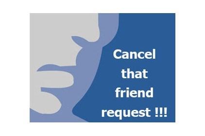 طلب المدير صداقة موظفيه على الفيس بوك يحرجهم