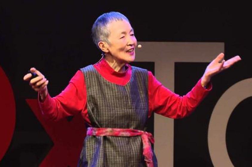 نساء الأمل: يابانية في الثمانين تبتكر تطبيقاً لكبار السن