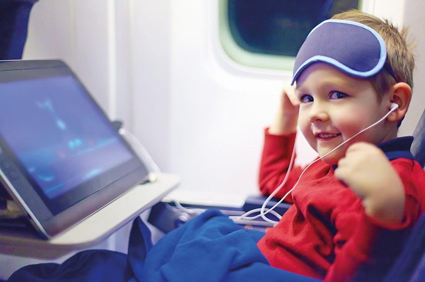 نصائح مفيدة خلال رحلات الطيران الطويلة
