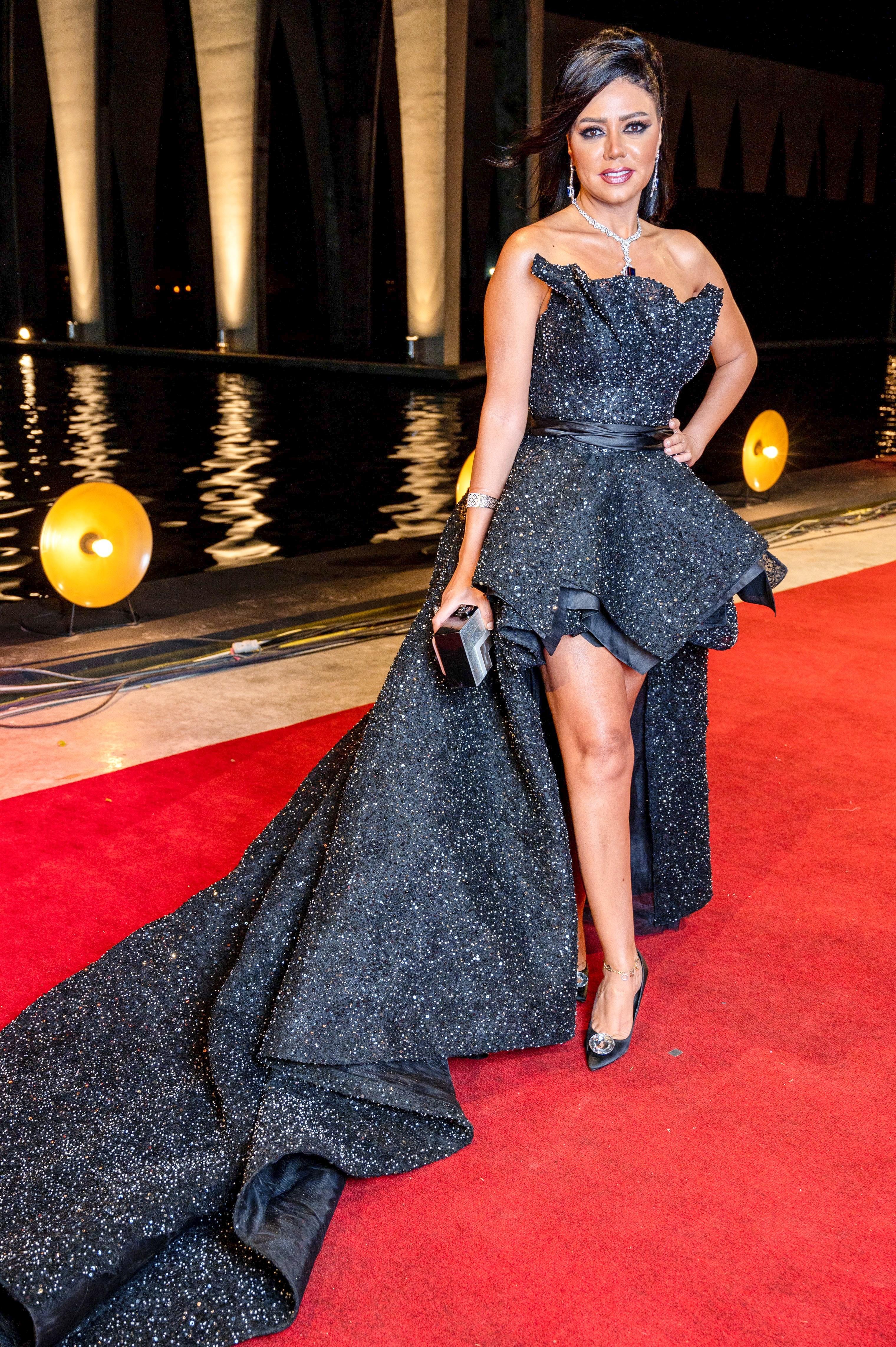 فستان رانيا يوسف.