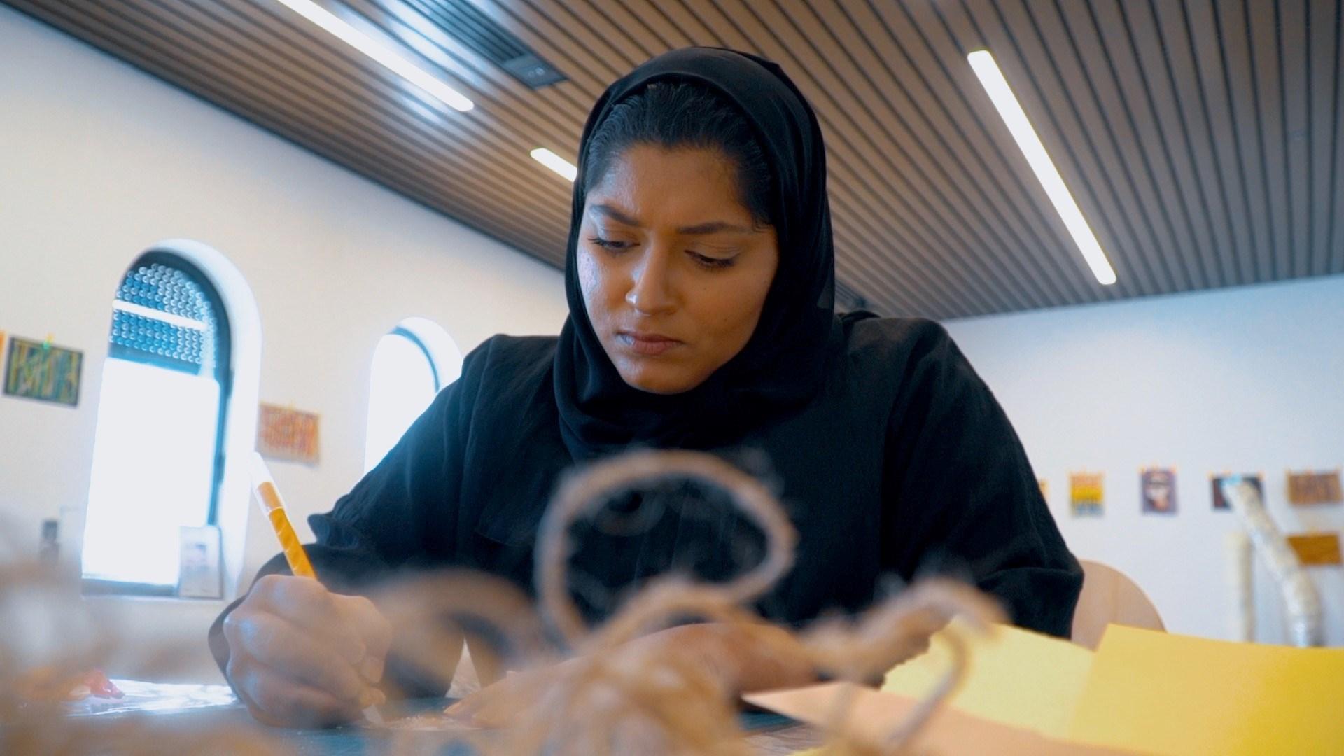 إماراتيات إلى العالمية من بوابة «فن أبوظبي»