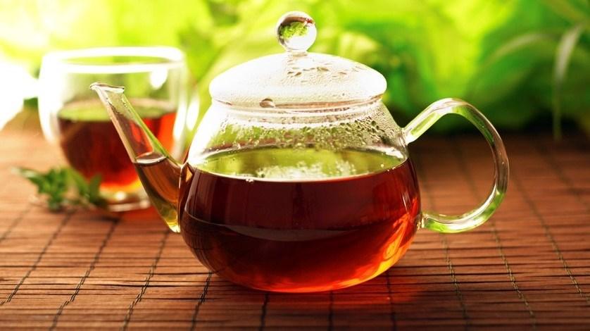 منها الشاي الساخن.. أشياء في روتينك اليومي تضر بصحتك