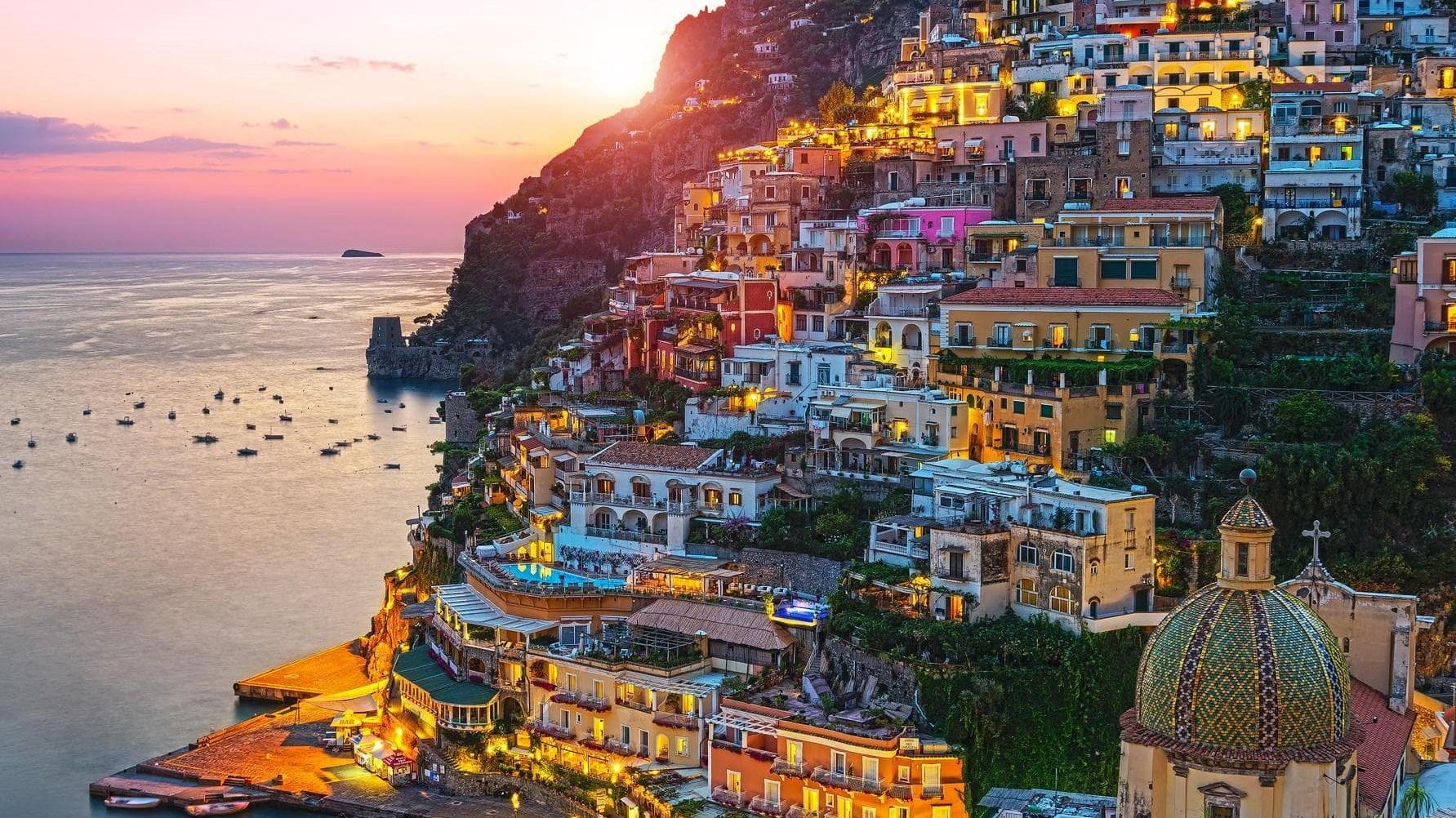 """""""بوسيتانو"""".. جنة إيطالية لعشاق الشواطئ"""