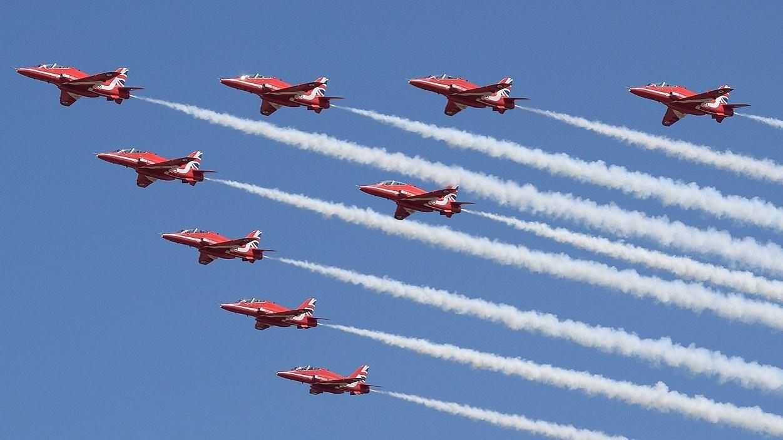 """فريق الاستعراض الجوي البريطاني """"السهام الحمر"""" يقدم عرضه فوق """"إكسبو 2020 دبي"""".. الجمعة المقبلة"""