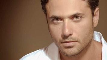 """أحمد عز: الغيرة في الفن شيء صحي.. ويروي كواليس """"هجمة مرتدة"""""""