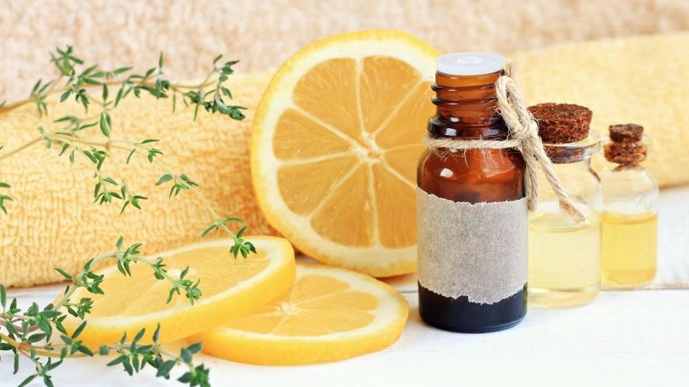 من الشَعر إلى الصحة.. تعرفي على فوائد الليمون