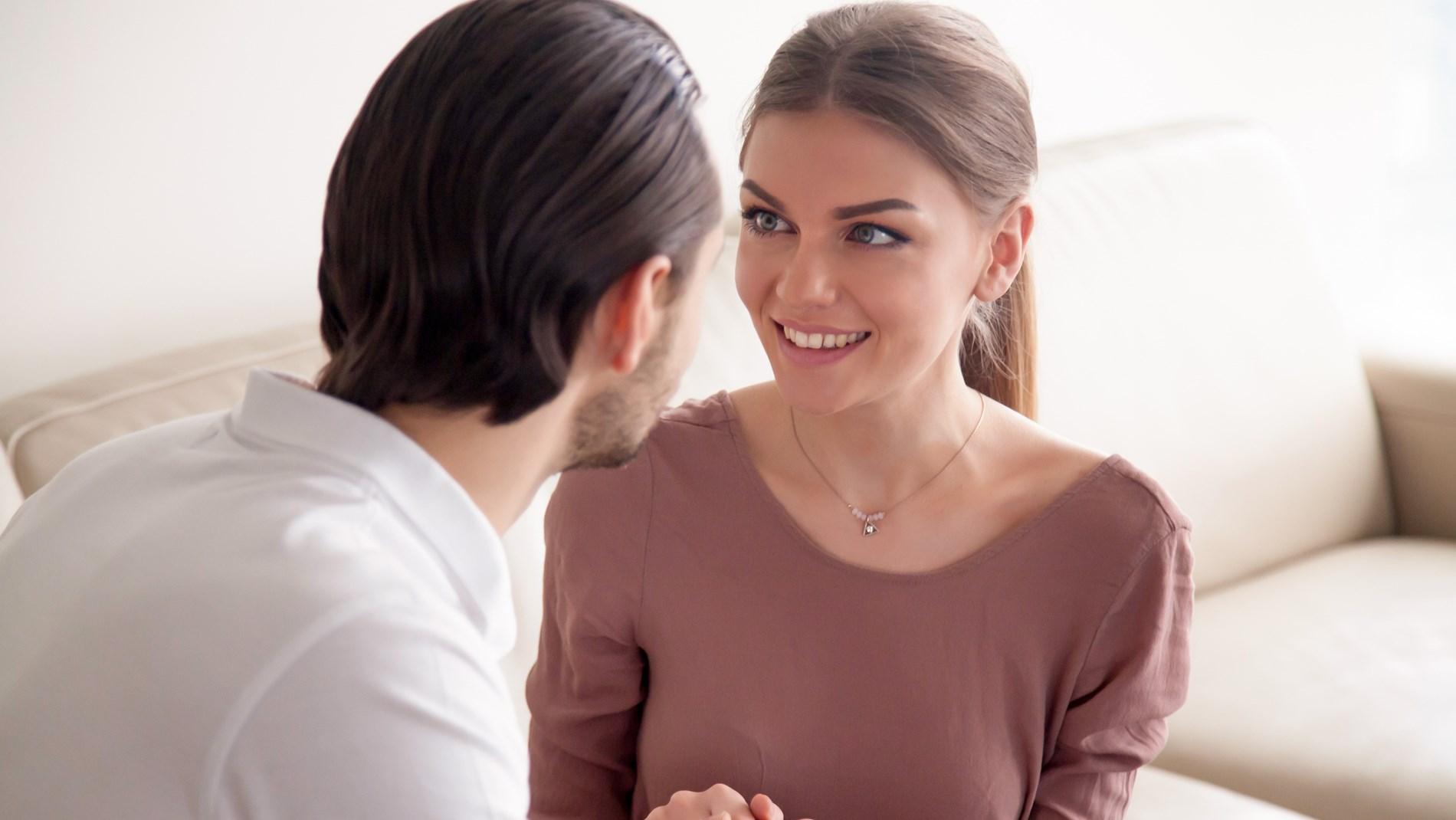 متي يقول الرجل أحبك بصدق؟.. علامات تؤكدلك