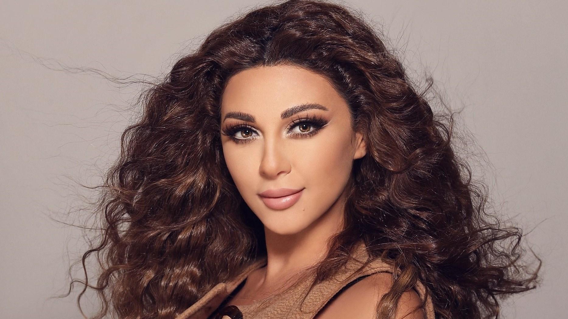 بالفيديو.. ميريام فارس تجهز زينة عيد الفصح برفقة طفليها