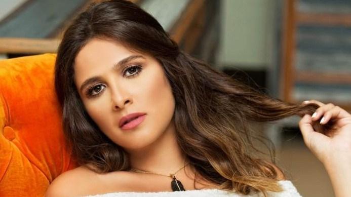 رقصة ياسمين عبدالعزيز تشعل «السوشيال ميديا»