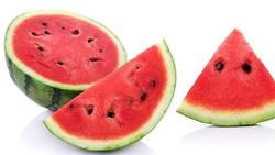 هذا ما يحدث لجسمك عند تناول بذور البطيخ