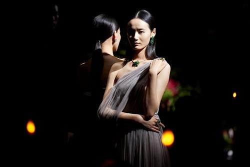 «ديور» تطلق مجوهراتها الراقية من الصين