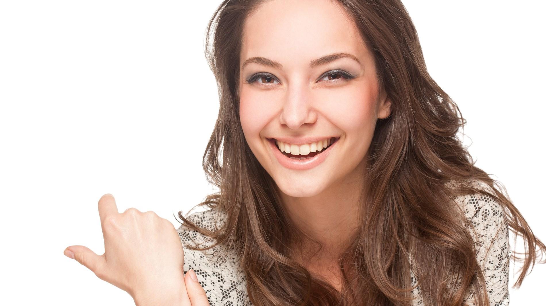 لتفادي مشاكل البشرة.. قواعد أساسية عليكِ اتباعها عند استخدام غسول الوجه