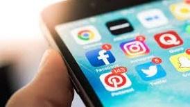 """مواقع التواصل الاجتماعي """"سلاح ذو حدين"""""""