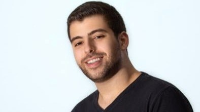 على أنغام وائل كفوري.. نبيل خوري يحتفل بعيد ميلاد والدته