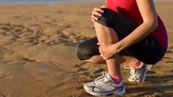 3 عادات يومية تضعف المفاصل والعظام.. تجنبيها