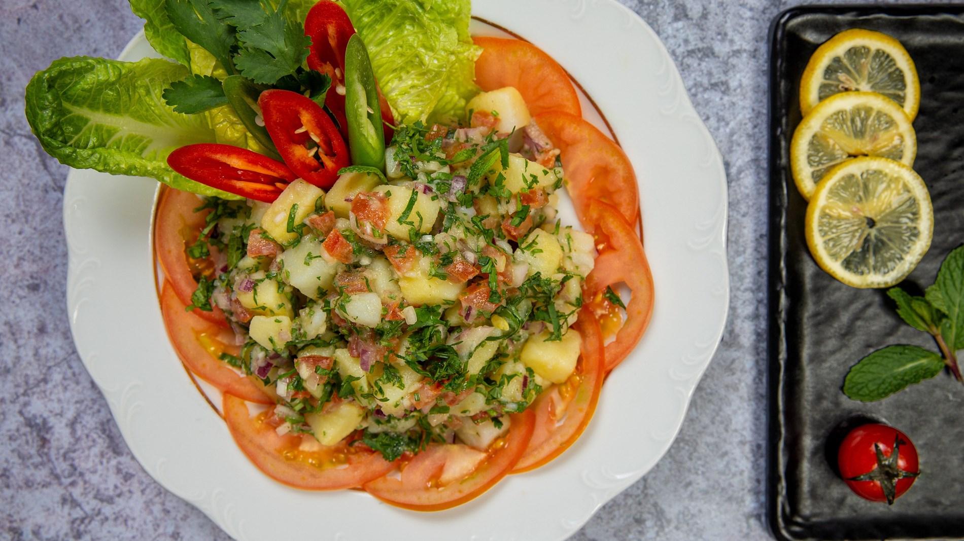 سلطة البطاطا والخضراوات