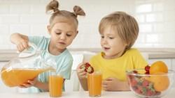 أطعمة ضارة بصحة أطفالك.. وبدائل صحية لها