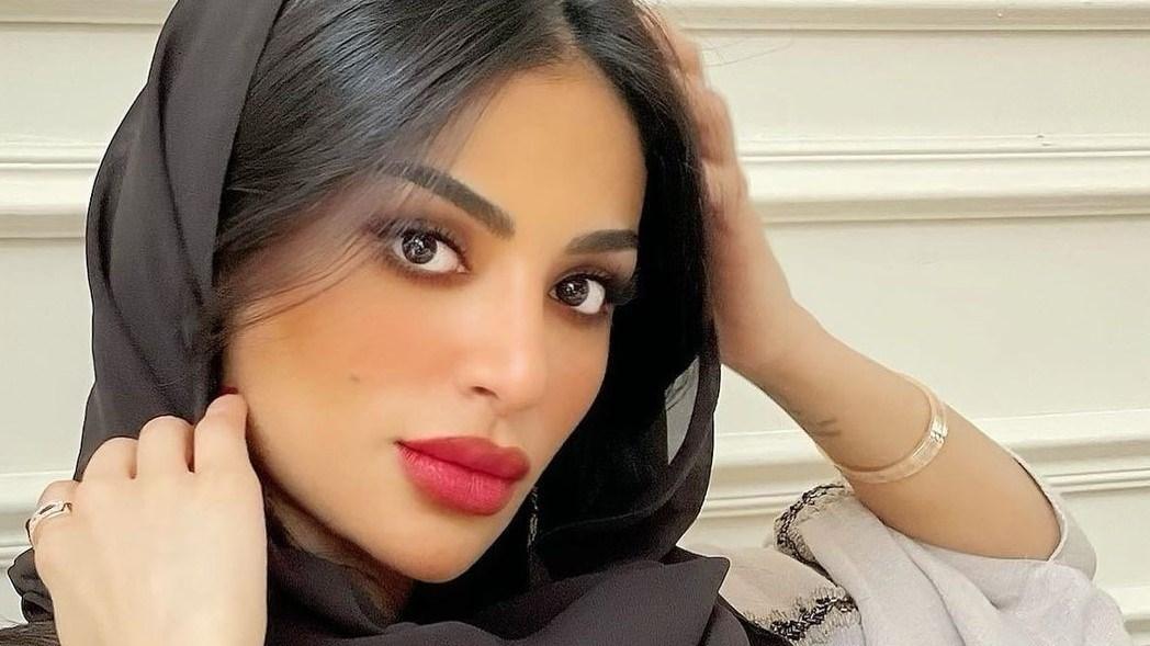 فاطمة الأنصاري تعاني صعوبة التواصل مع جمهورها في منزل أهلها.. لهذا السبب