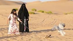"""""""أبوظبي للصيد"""" يسلط الضوء على دور النساء في الصقارة"""