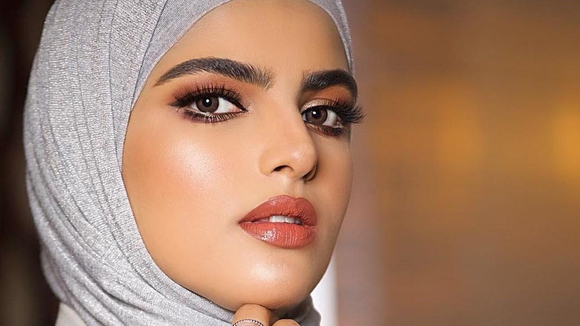 سارة الودعاني تُعارض زوجها بسبب طبيعة تعامله مع طفليهما