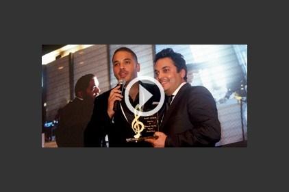 """رامي عياش يحتفل بـ """"مجنون"""" ويكرّم أصدقاءه"""