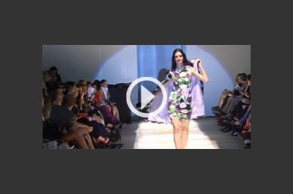 كيف يستعدّ العارضون لعرض الأزياء؟ الجواب في كواليس Saks Fifth Avenue