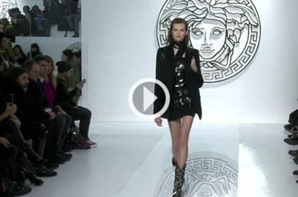 كواليس وعرض أزياء VERSACE من أسبوع ميلان